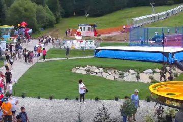 Video: A fost inaugurat cel mai mare parc de distracție din județul Neamț, la Durău