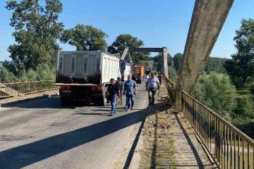Foto: Au început lucrările la podul Luțca. Circulația a fost deviată. Vezi rutele alternative