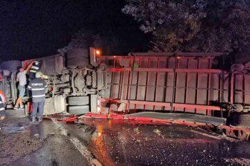 Neamț: accident rutier cu o victimă – un TIR s-a răsturnat