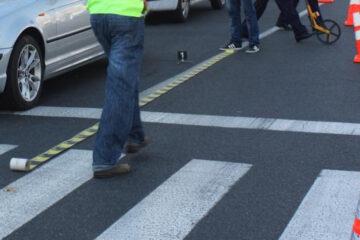 A accidentat o tânără pe trecerea pentru pietoni după care și-a continuat drumul liniștit