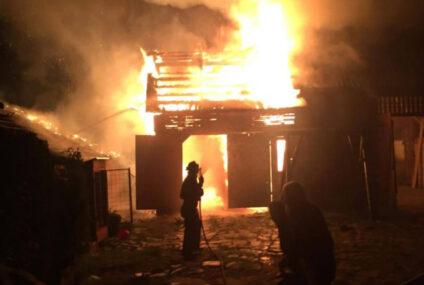 Astăzi, la Cotu Vameș: intervenție la un incendiu produs la un depozit de furaje