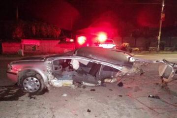 Mașina s-a rupt în două. Un tânăr a murit în urma unui accident rutier, în Neamț