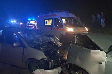 Accident rutier grav, în această seară, în Neamț; două autoturisme s-au ciocnit frontal – șase victime