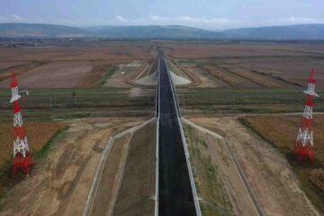 Video: Lucrări avansate pe singurul segment de autostradă din Moldova. În primăvară, va fi dat în folosință