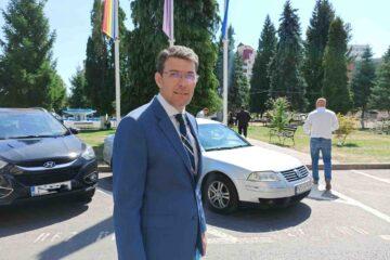 """""""Este timpul să trecem la treabă!"""" Din 28 octombrie, Leonard Achiriloaei va fi, oficial, primarul municipiului Roman"""
