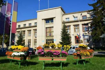 Cinci posturi vacante la Direcția Municipal Locato din cadrul Primăriei Roman