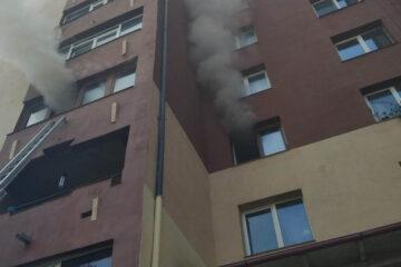 Neamț: incendiu la un apartament situat la etajul trei. Apartamentul a fost distrus în totalitate și alte trei, deteriorate