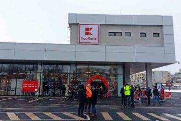Kaufland se extinde la Roman – hipermarketul cu numărul 137. Cum arată în interior noul Kaufland
