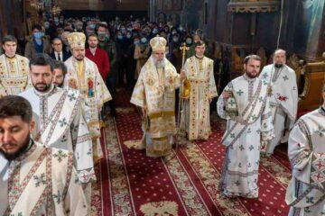 Sfânta liturghie de Nașterea Domnului, la Roman – diaconul Alexandru Tecuceanu a fost hirotesit arhidiacon