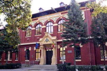 """Deputat Oana Bulai: """"Competența nu contează pentru PNL, ci doar carnetul de partid. Ce s-a întâmplat la Colegiul Roman-Vodă?"""""""