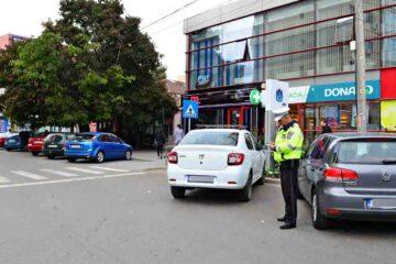 Romașcanii sesizează: miros de gaz în zona Colegiului Roman Vodă, cerșetorie, blocare locuri de parcare, căutători în gunoaie
