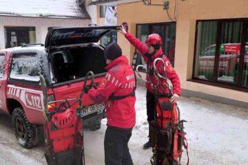 Echipele Salvamont Neamț intervin pentru salvarea unui bărbat de 74 de ani
