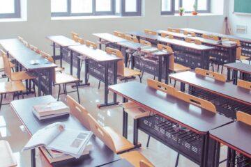 Măsuri privind încheierea situației școlare la finalul semestrului I: medii încheiate cu două note și altele