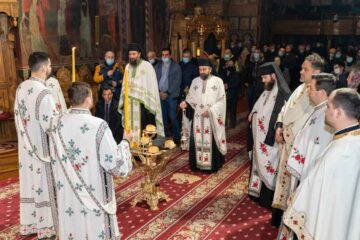 Slujbă cu prilejul Anului Nou 2021 la Arhiepiscopia Romanului și Bacăului