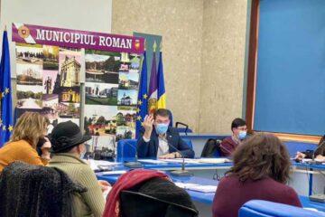 Investițiile din învățământ, discutate la întâlnirea primarul Leonard Achiriloaei cu directorii de școli