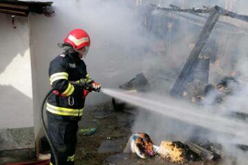 Pagube importante în urma unui incendiu produs astăzi, în Neamț