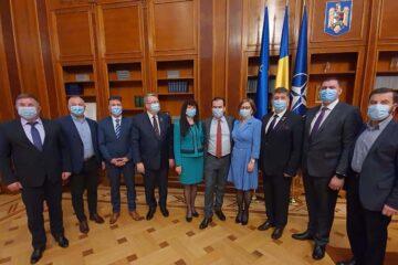 """Laurențiu Leoreanu: """"Rolul nostru, al parlamentarilor, este acela de a sprijini o bună relație dintre București și teritoriu!"""""""