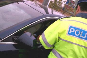 Băuți și fără permis de conducere, depistați în trafic de polițiștii nemțeni