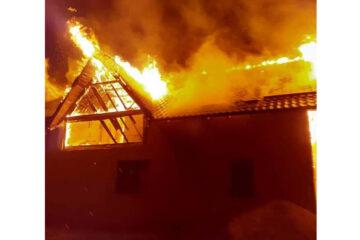 Acțiune intenționată – cauza unui incendiu la o gospodărie din Neamț