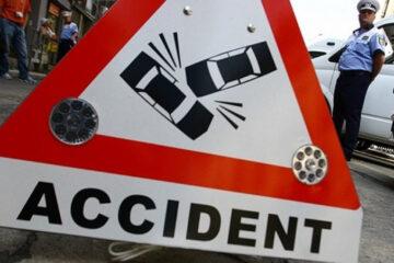 Accident rutier pe b-dul Roman Mușat, din Roman; o tânără care traversa strada a fost rănită