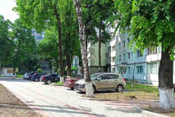 Primăria Roman organizează licitație pentru locurile de parcare de reședință nou amenajate